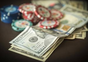 dinero chips de casino